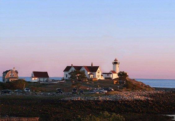 Eastern-Point-Lighthouse-Gloucester