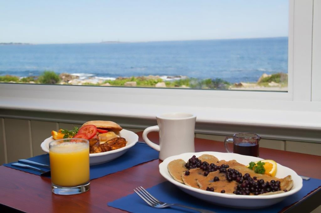 Gloucester Restaurant With Ocean Views
